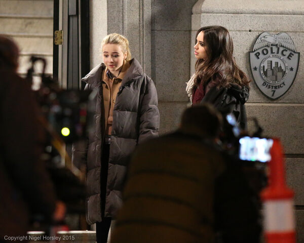 File:Sofia and sabrina (2).jpg