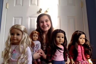 Ashley taking a selfie with her 4 favorites; (From left to right) Caroline, Mia, Sierra-Rain, Anastasia