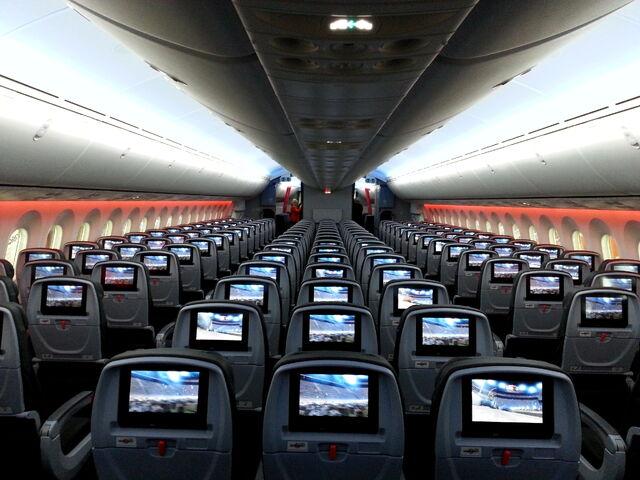 File:Passenger cabin of a Jetstar Boeing 787.jpg