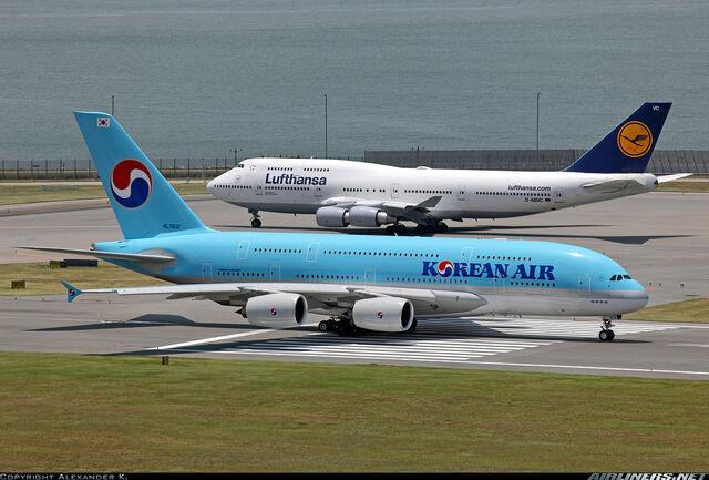 File:747 A380.jpg