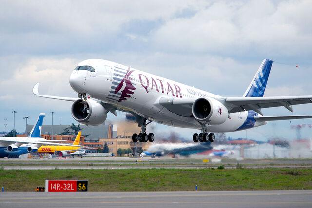 File:A350-msn4-5 ppigeyre airbus.jpg
