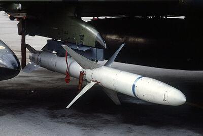 800px-AGM-88 HARM on F-4G