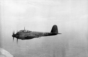 Bundesarchiv Bild 101I-363-2270-18, Frankreich, Flugzeug Me 210