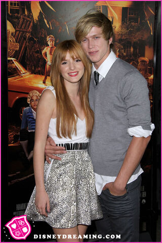 File:Bella-Thorne-IM5-Cant-Stay-Away-Music-Video.jpg
