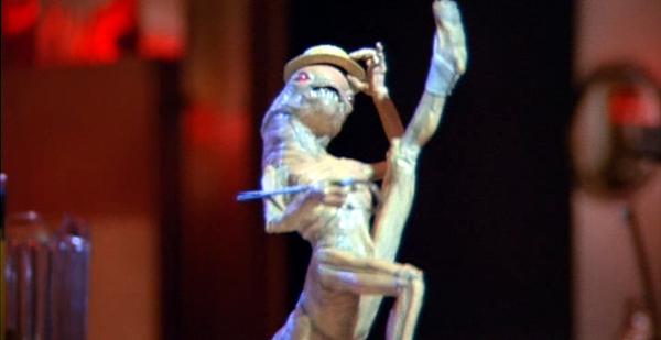 File:Ragtime-alien.jpg