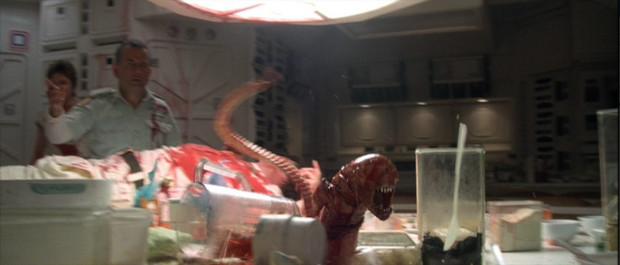 File:Chestburster escapes.png