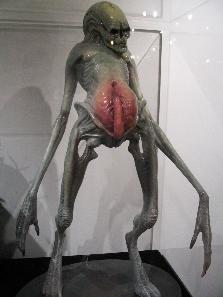 File:Alien Resurrection Newborn statue.jpg