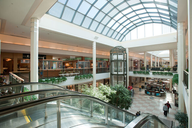 File:Silver Hills Mall Interior 4.jpg