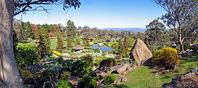 800px-07. Japanese Garden Pano, Cowra, NSW, 22.09.2006