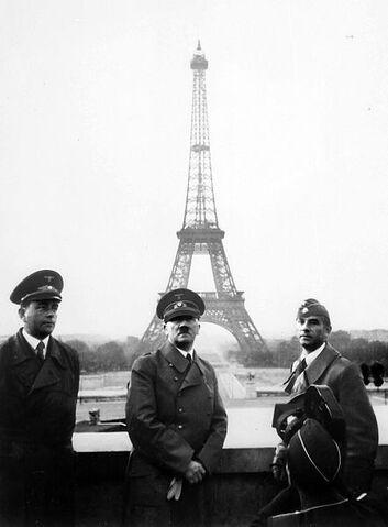 File:Nazis in Paris.jpg