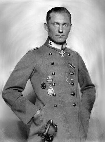 File:Hermann G ring WWI.jpg