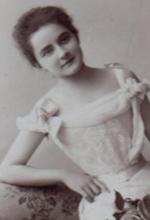 File:Marada Josefa de Iturbide y Mikos.jpg