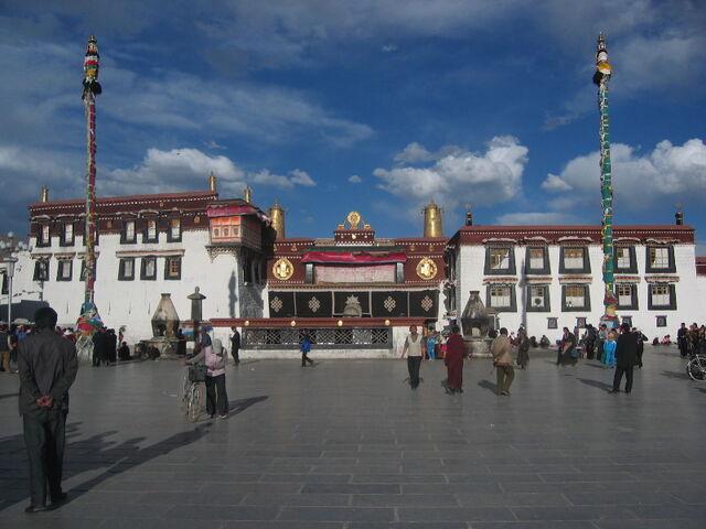 File:Jokhang.jpg