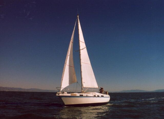 File:Sailboat-1 2712136.jpg