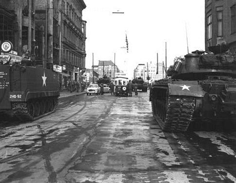 File:Tanks in WWII.jpg