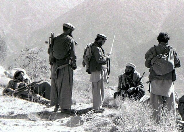 File:Mortar attack on Shigal Tarna garrison, Kunar Province, 87.jpg