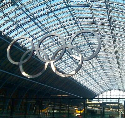 635px-St Pancras Olympic Rings