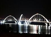 800px-JK bridge Brasilia lights