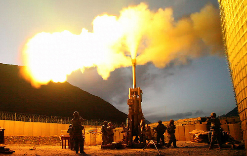 File:Firing rounds with an M777 Howitzer.jpg