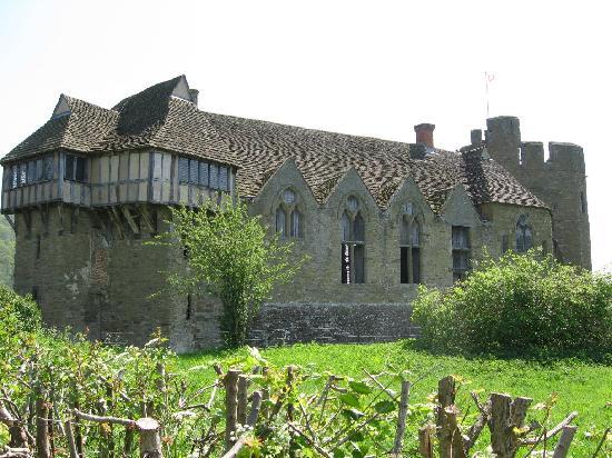 File:Stokesay-castle-shropshire.jpg