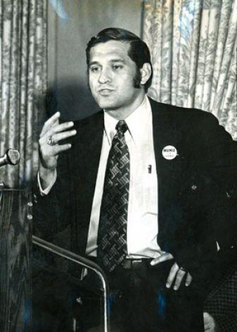 File:Ramsey Muniz 1972.jpg