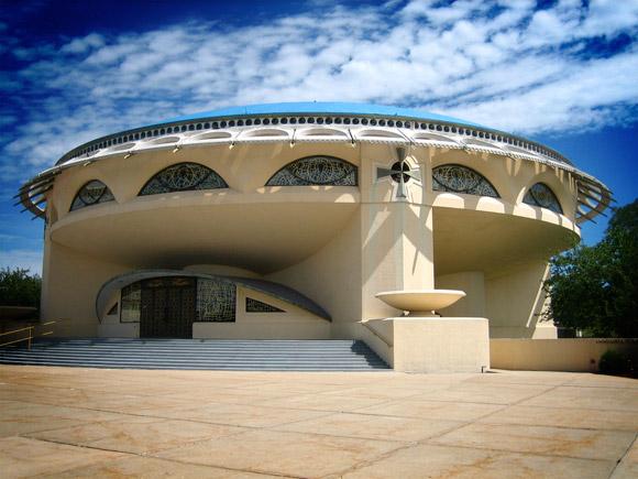 File:20-Unusual-Churches-PII-annunciation-greek-orthodox-church.jpg