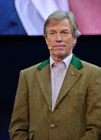 File:Leopold Prinz von Bayern IAA 2011.jpg