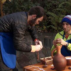 Brodie &amp; Kurt doing the <i>String</i> Detour in Leg 7.