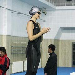 Jaime &amp; Cara doing the <i>Swim</i> Detour in the first half of Leg 10.