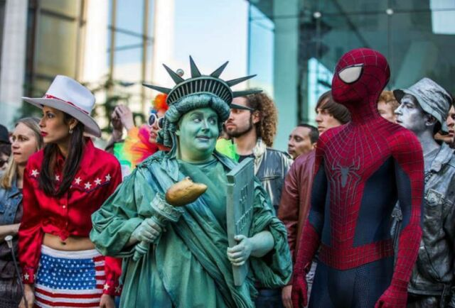 File:Amazing-spider-man-2-statue-liberte-nycity.jpg
