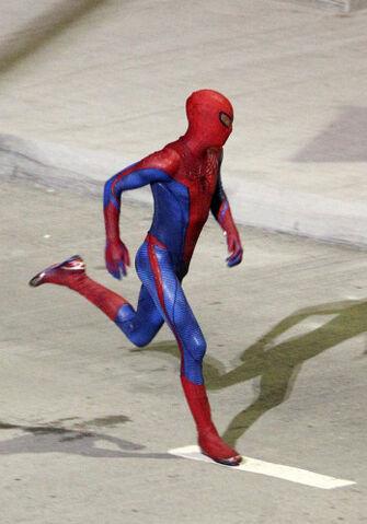File:Spider-man-set-photos-8.jpg