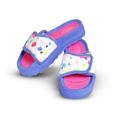 File:BubbleSlippers girls.jpg