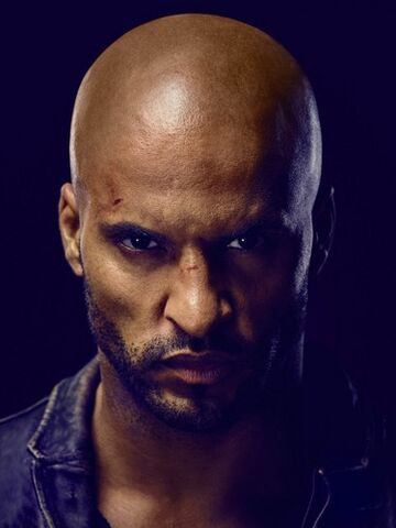 File:American-Gods-Shadow-Moon-Official-Picture-american-gods-tv-series-40393377-375-500.jpg