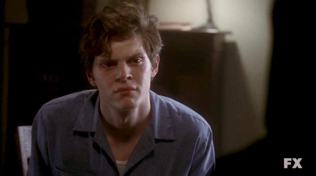 File:Evan Peters as Kit Walker on American Horror Story Season 2 Asylum S02E04 7.png