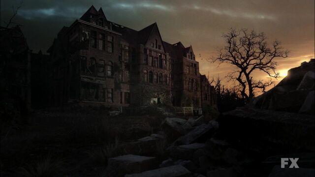 File:American Horror Story S02E01 720p HDTV X264-DIMENSION 0053.jpg