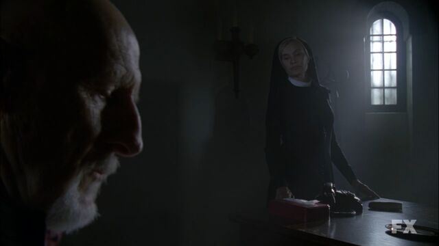 File:AHS S02E05 Arden and Jude.jpg