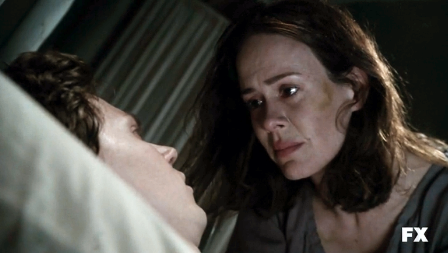 File:Evan-Peters-as-Kit-Walker-American-Horror-Story-Asylum-S02E08-TAR-10.png