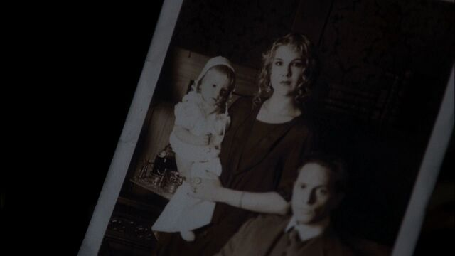 File:AHS S01E07 Nora Charles Thaddeus Montgomery.jpg
