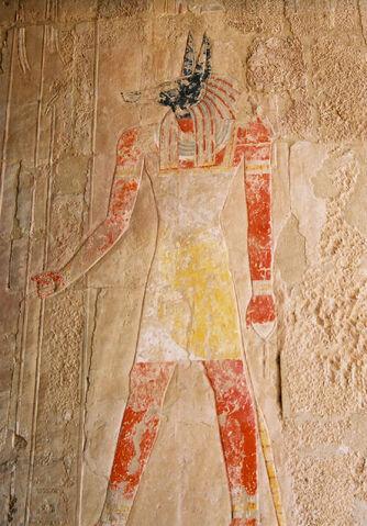 Файл:Anubis-Hatshepsut.jpg