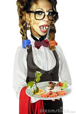 Kami waitress