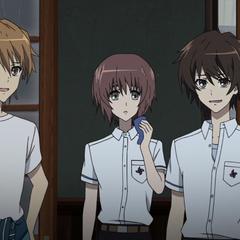 Yuuya meets Naoya and Kouichi in the art club room.