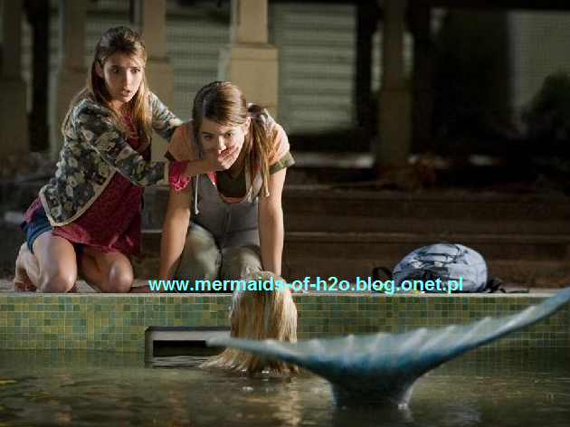 File:Jojo and emma finding Aquamarine.png