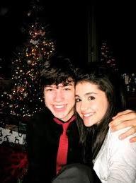 File:Graham&Ariana.png