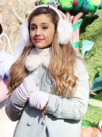 File:Ariana in winter.jpg