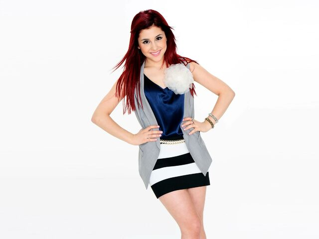 File:Ariana with a gold bracelet.jpg
