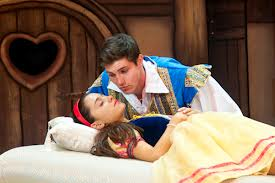 File:Snow White & the Prince.jpg