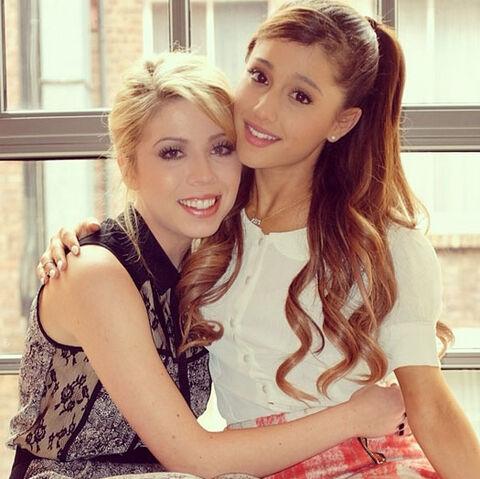File:Ariana-Grande-Jennette-McCurdy.jpg