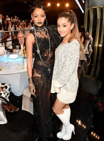 File:Rihanna-and-ariana-grande-2014-iheartradio-music-awards-1399023120-view-1.jpg
