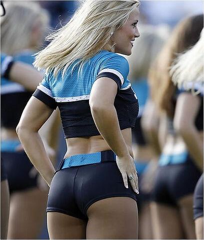 File:25-hot-cheerleaders.jpg