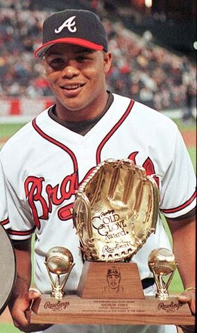 File:Andruw Jones Gold Glove Braves.jpg